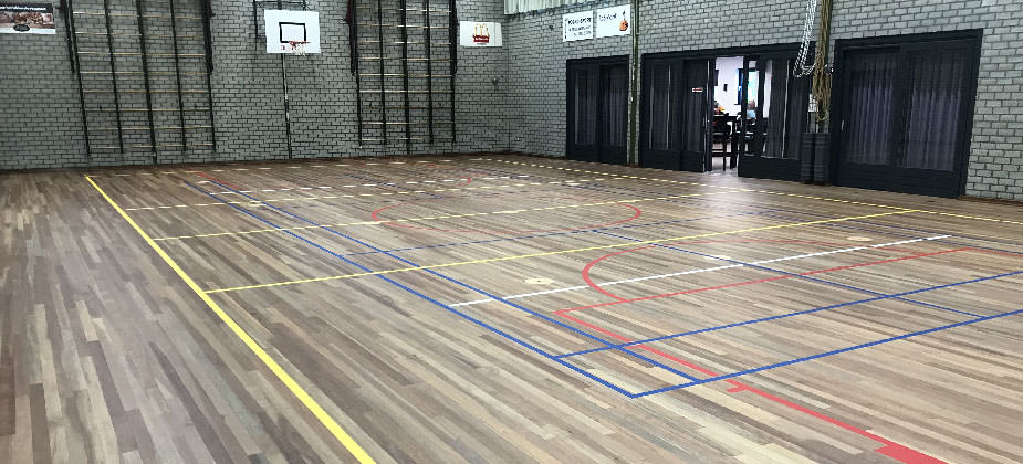 Renovating a wooden sports floor